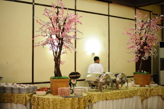 Japanese Corner, lucu ya pake pohon sakura